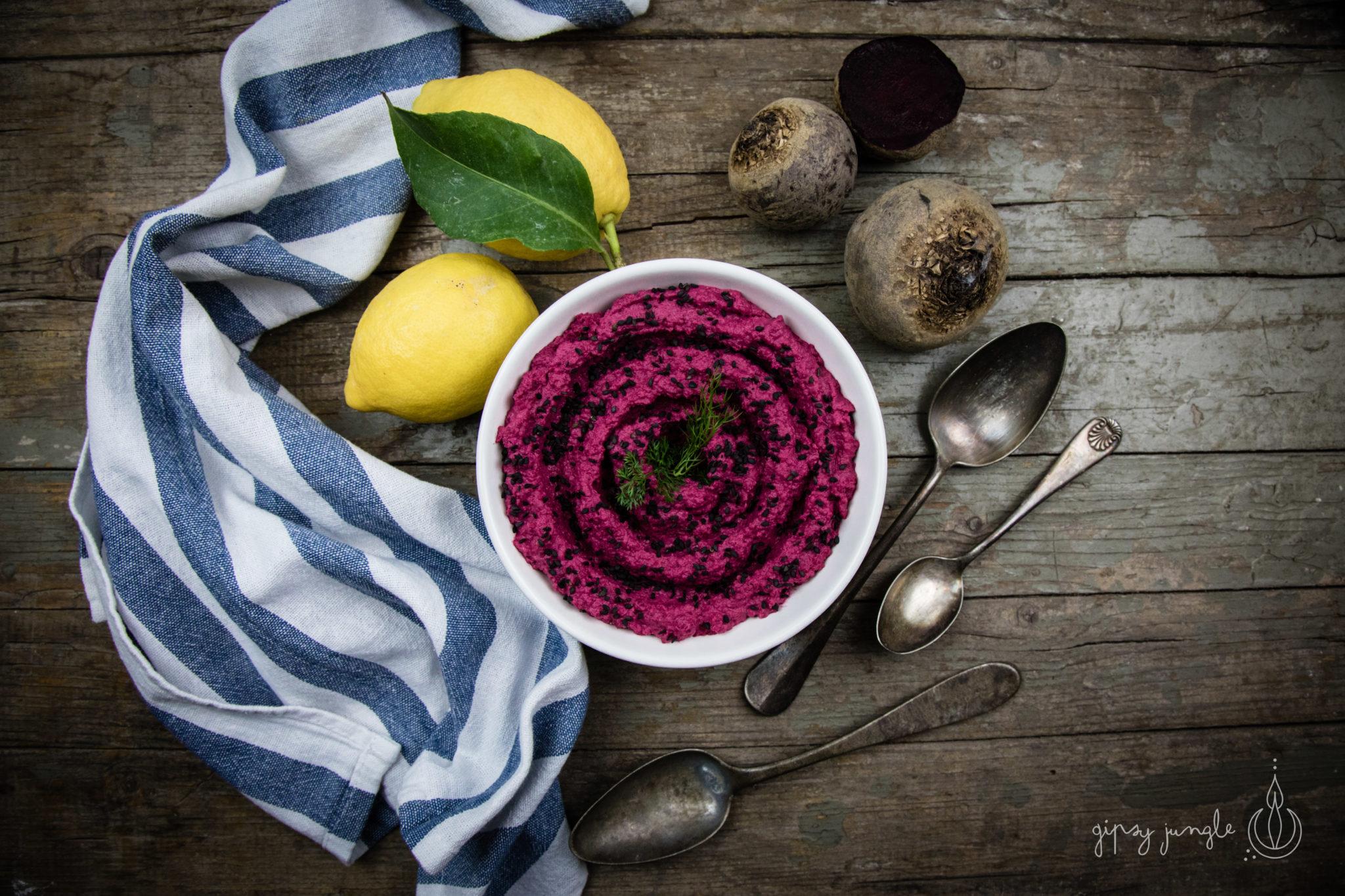 ricetta hummus con barbabietole